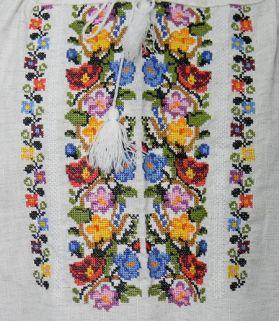 Ie traditionala autentica din Bucovina_detaliu altita